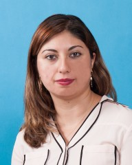 Photograph of Niloufar Naderi
